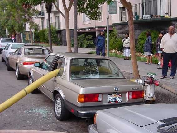 no-parking-in-front-of-fire-hydrant.jpg